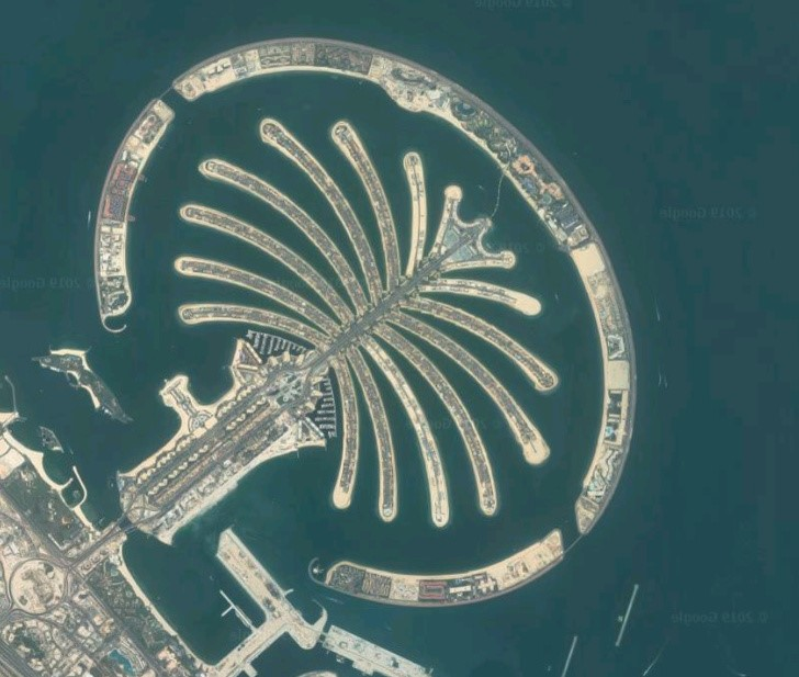The Palm Island in Dubai   11 Mind-Bending Things That Can Be Seen Only From Space   Zestradar