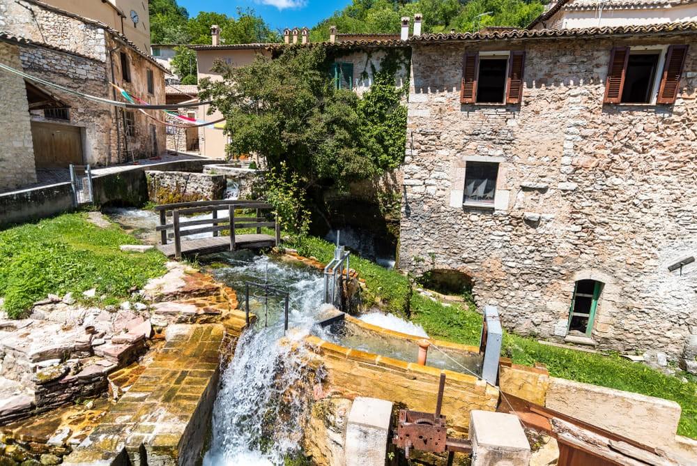 Rasiglia  |  Paradisi naturali in giro per l'Italia | BrainBerries