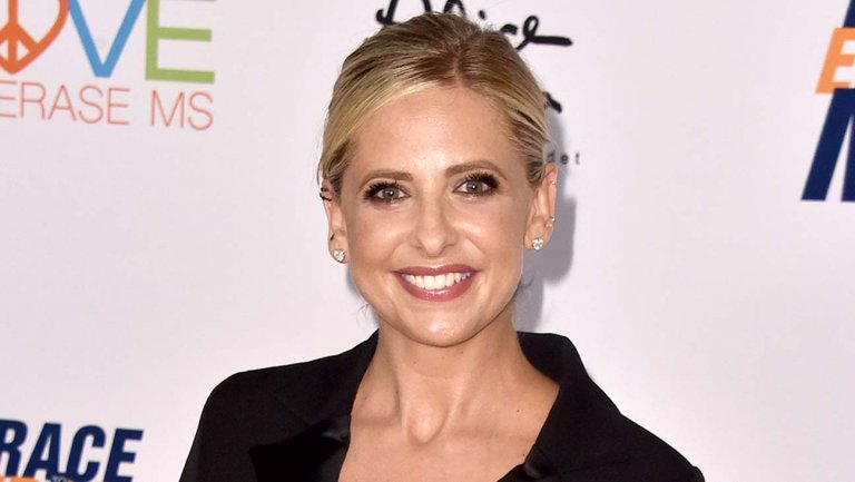 Sarah Michelle Gellar – $20 Million | 9 Stars From The 90s Who Are Still Rich | Brain Berries
