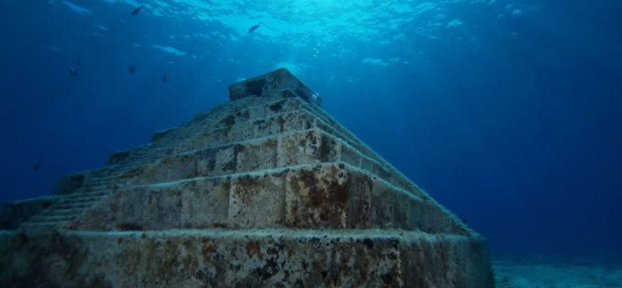 Yonaguni Ruins, Japan |  9 Of The Most Mysterious Destinations In Asia | BrainBerries
