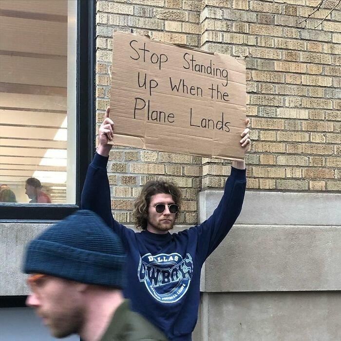 Ce gars proteste silencieusement