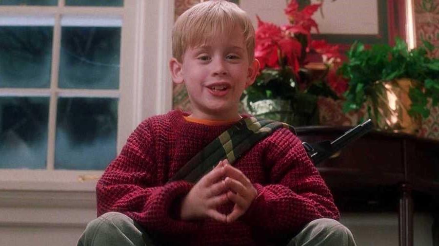 Home Alone | 8 Properly Funny Christmas Movies | Zestradar