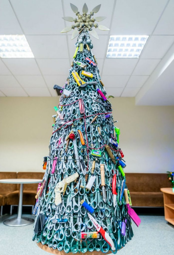 #8 | From Pillows To Lost & Found Items: The Coolest And Weirdest Christmas Trees You've Seen So Far | Zestradar