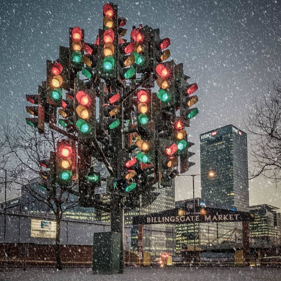 #9 | From Pillows To Lost & Found Items: The Coolest And Weirdest Christmas Trees You've Seen So Far | Zestradar