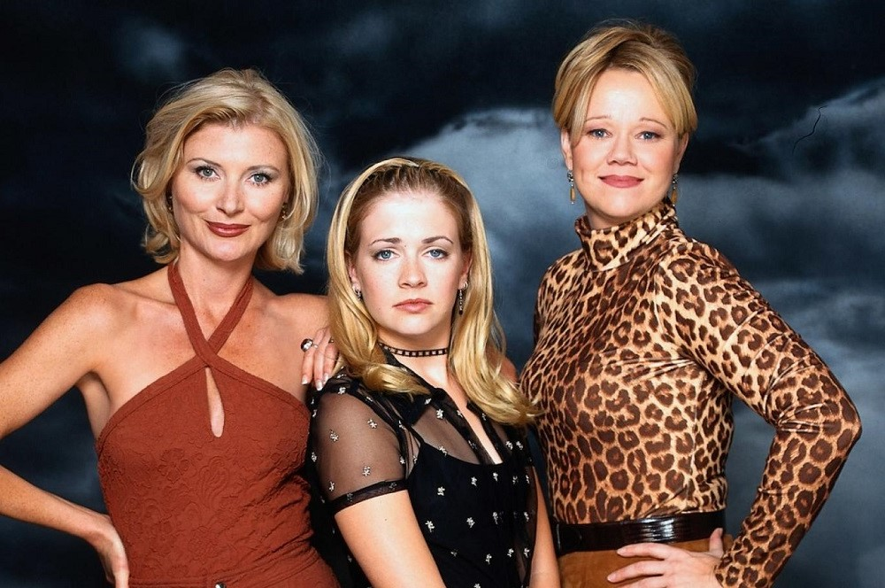 Sabrina (Sabrina the Teenage Witch) | 10 Coolest Witches We've Seen On Screen | Zestradar