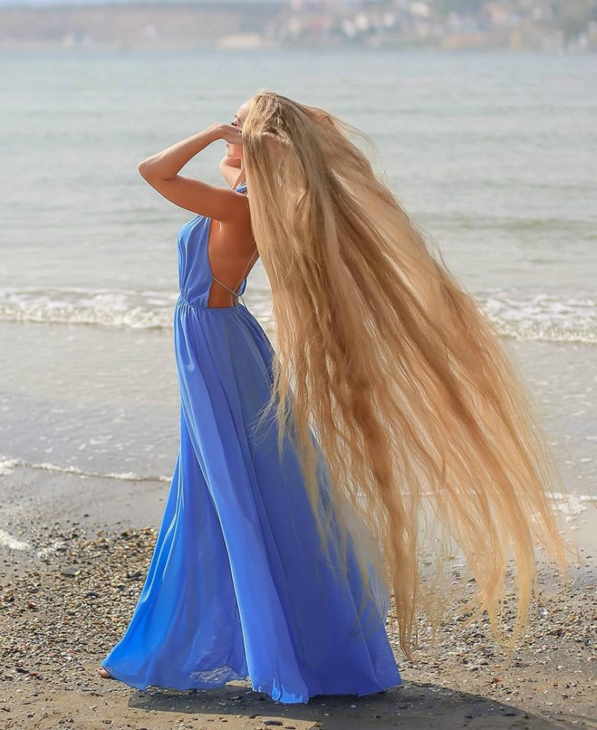 Meet Real-Life Rapunzel With 1.85 Meter Long Hair #1 | Zestradar