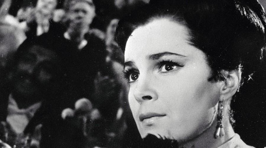 Элина Быстрицкая | 10 советских актрис, которые дали бы фору голливудским красоткам | Zestradar