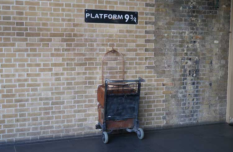 Harry Potter and the Sorcerer's Stone – King's Cross Station (London, UK) | 10 Cool Locations From Famous Movies You Can Visit Right Now | Zestradar