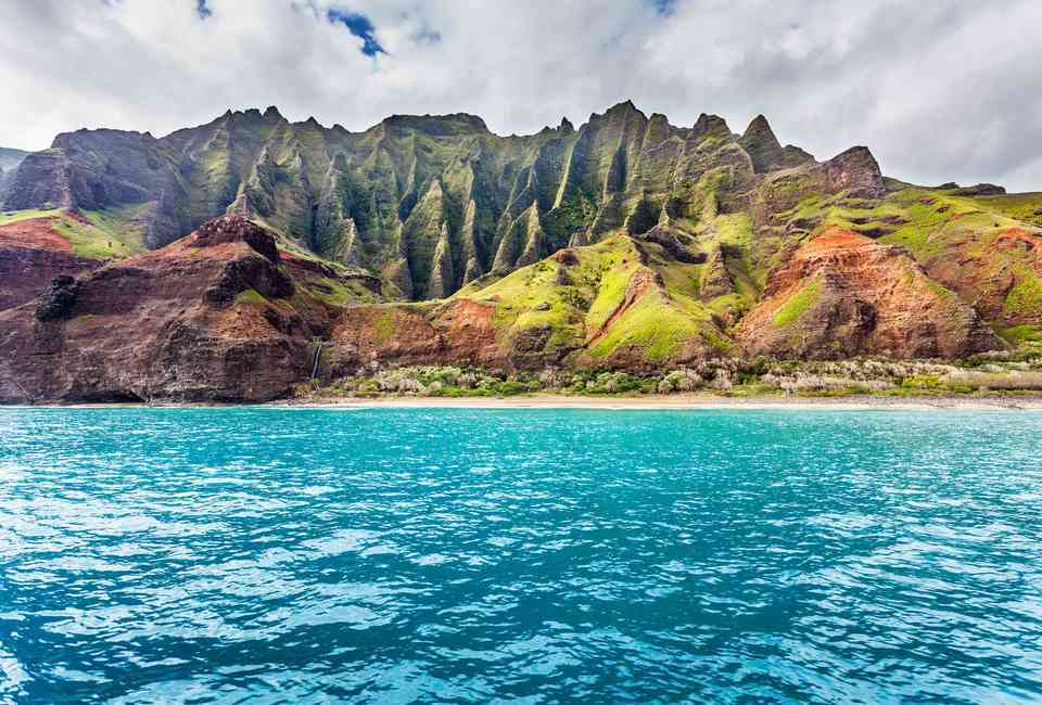Jurassic Park – Kauai (Hawaii) | 10 Cool Locations From Famous Movies You Can Visit Right Now | Zestradar