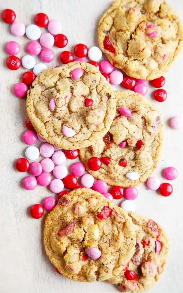 M&M Cookies | 12 Cute Valentines Day Cookies Ideas | Zestradar
