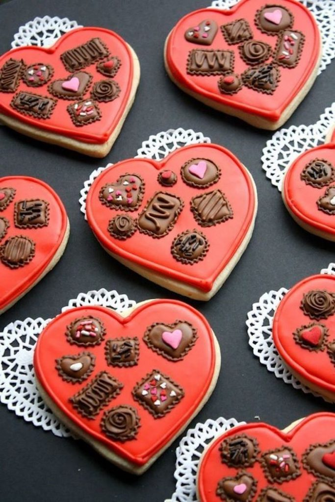 Chocolate Box | 12 Cute Valentines Day Cookies Ideas | Zestradar