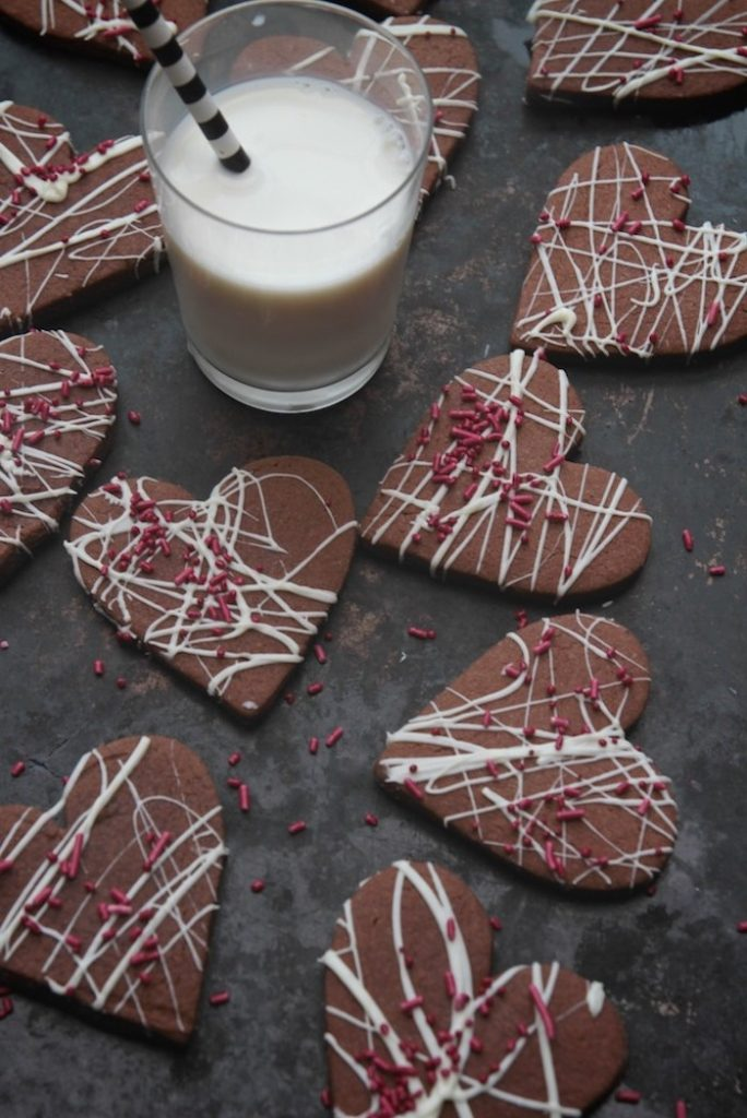 Brownie Cookies | 12 Cute Valentines Day Cookies Ideas | Zestradar