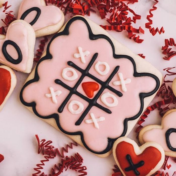 Tic-Tac-Love | 12 Cute Valentines Day Cookies Ideas | Zestradar