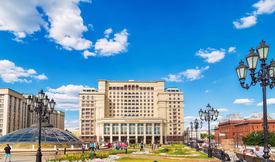 Four Seasons Moscow | 10 самых шикарных отелей России | Zestradar