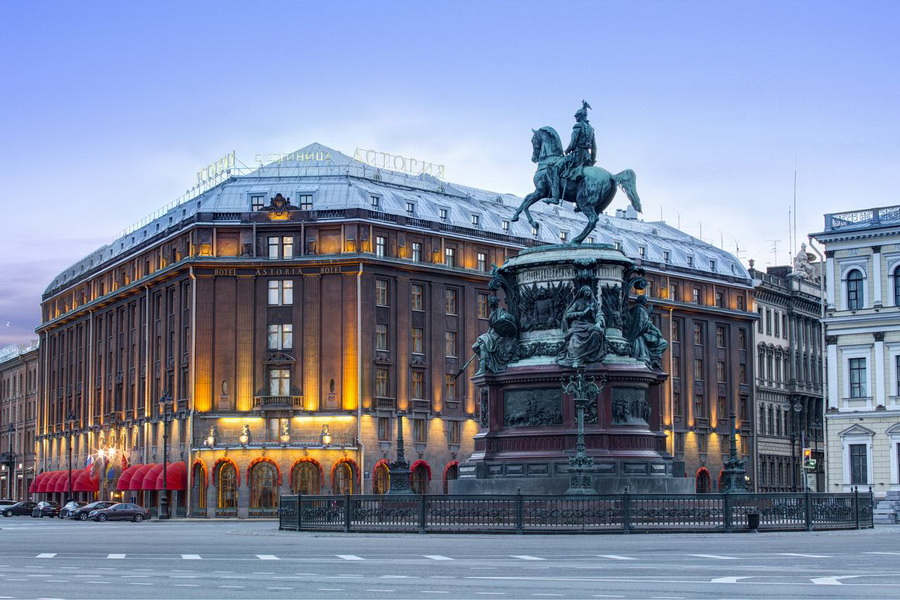 Hotel Astoria, a Rocco Forte Hotel | 10 самых шикарных отелей России | Zestradar
