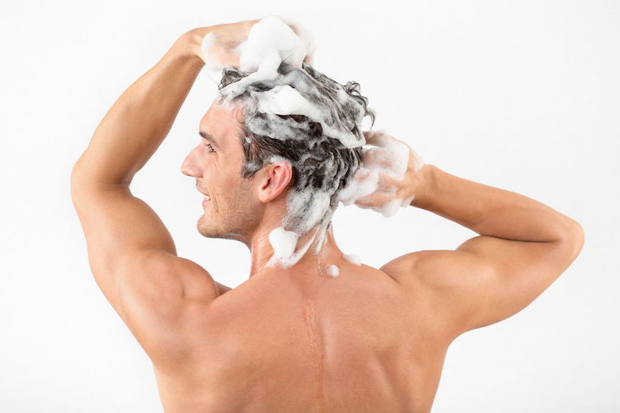 2.Clean Damp Hair | 6 Tips For DIY Haircuts For Men | Brain Berries