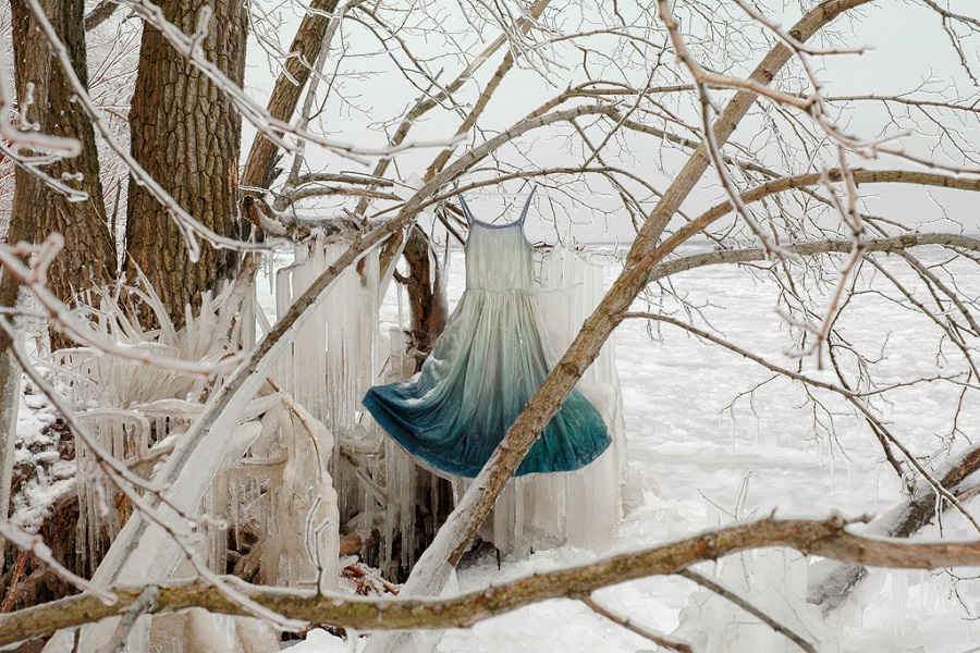 Artist Freezes Vintage Dresses, And It Looks Like Nothing We've Ever Seen Before | Zestradar
