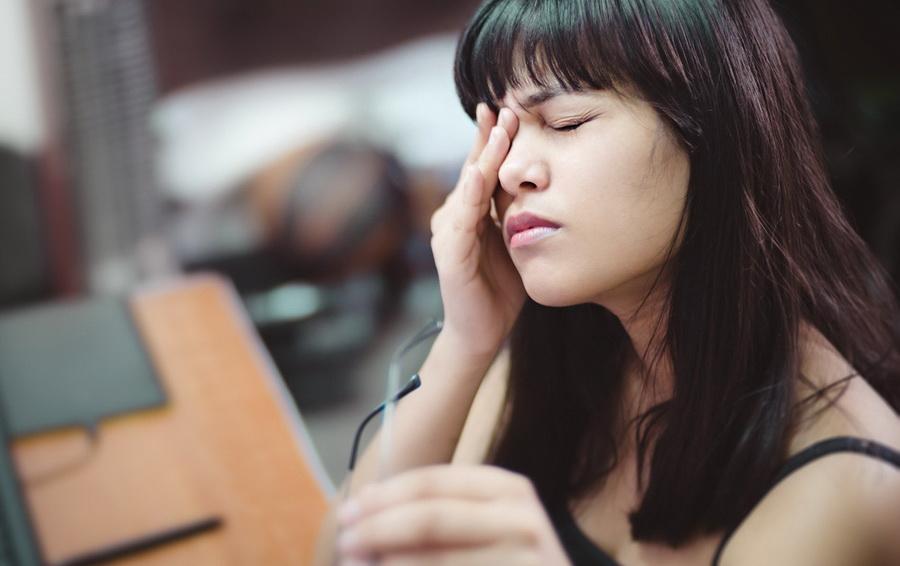 Как избавиться от глупой привычки трогать лицо | Zestradar