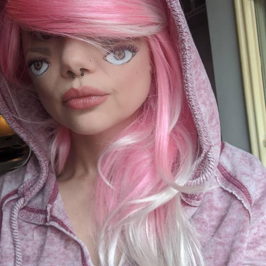 #20 | Челлендж Макияж «Крошечное Лицо» набирает обороты | Zestradar