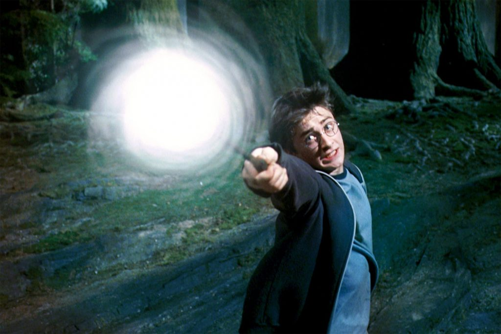 Harry Potter And The Prisoner Of Azkaban (2004) | 10 Best and Worst Fantasy Movies Ever Made | Zestradar