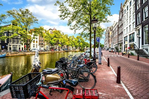 Netherlands | 12 Facts About Life In Other Countries That Seem Too Weird To Be True | Zestradar