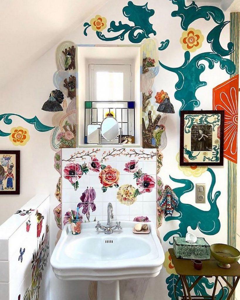 #8 | Сказочный дом французской художницы, стены  которого стали картинами | Zestradar