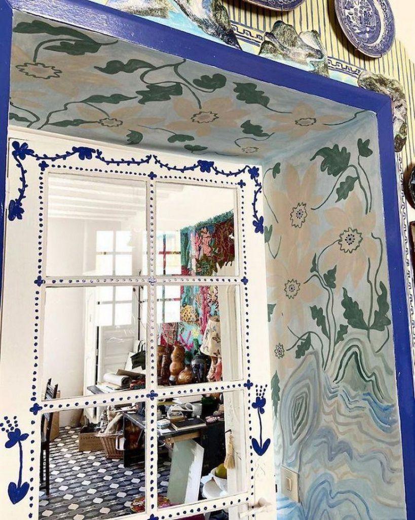 #15 | Сказочный дом французской художницы, стены  которого стали картинами | Zestradar