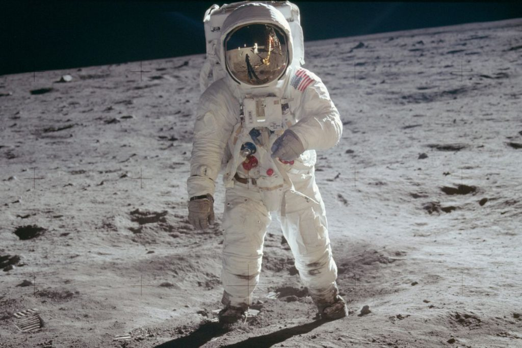 Moon Landing | 10 of the World's Most Watched TV Broadcasts | Zestradar
