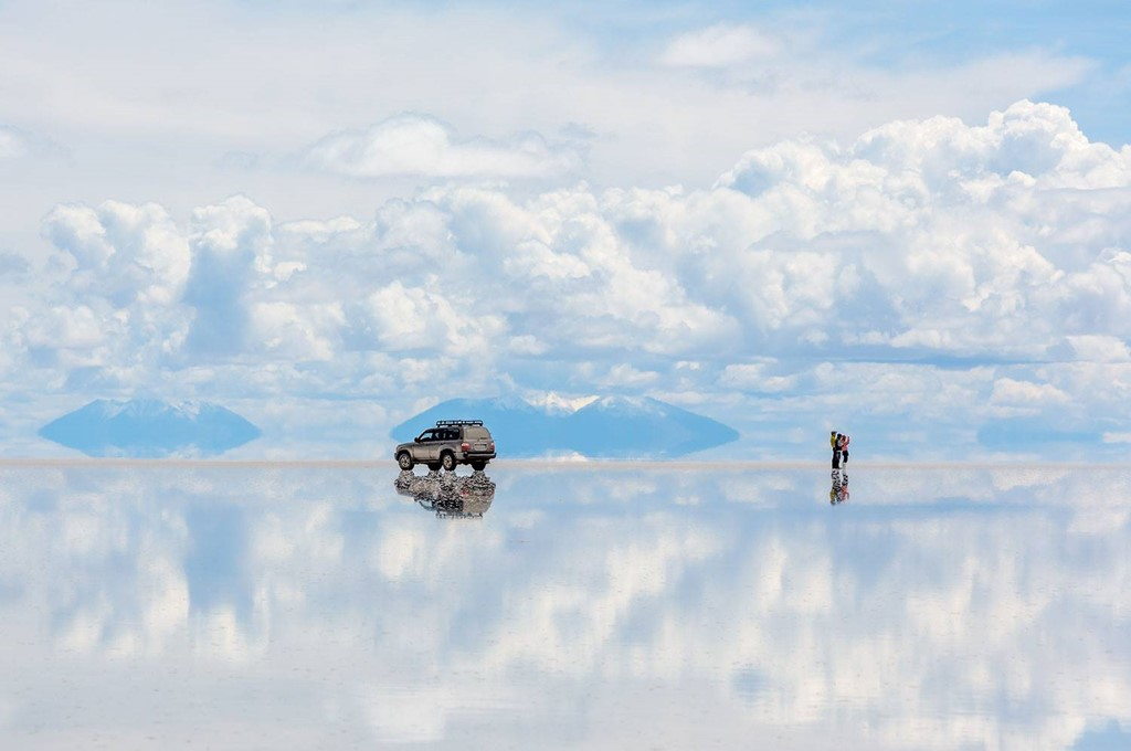 Salar de Uyuni | 10 of the Most Surreal Natural Phenomena on Earth | Zestradar