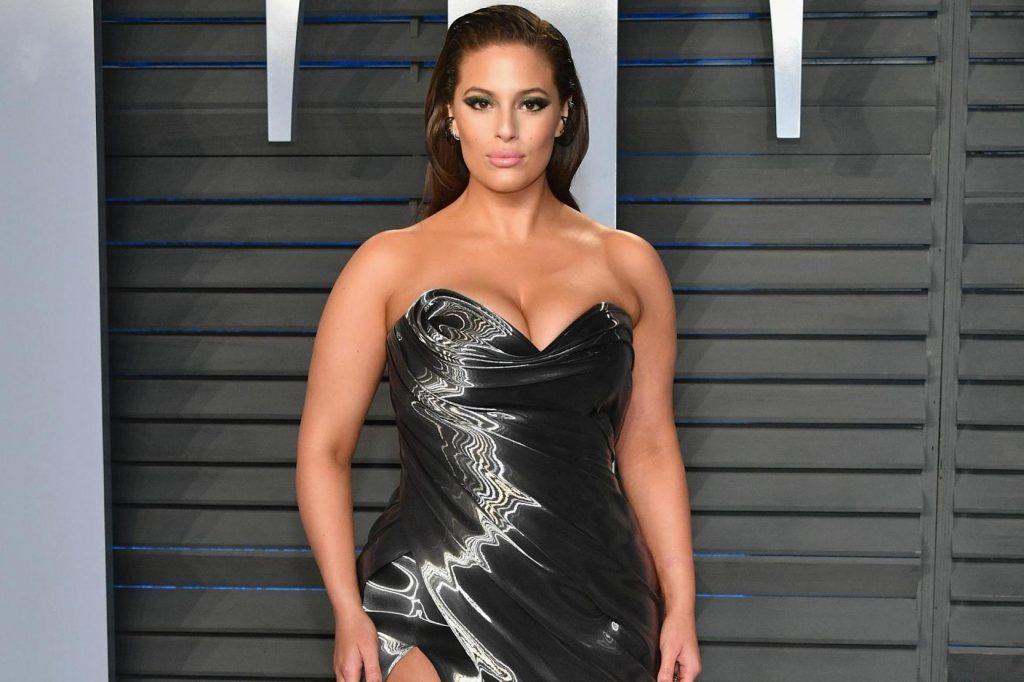 Ashley Graham  IMAGES, GIF, ANIMATED GIF, WALLPAPER, STICKER FOR WHATSAPP & FACEBOOK
