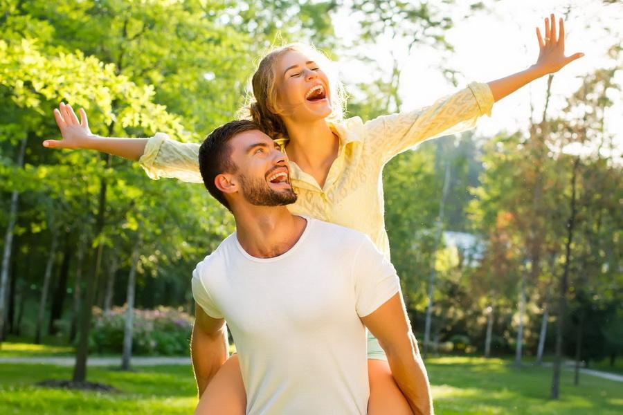 Вы получаете удовольствие от общения | 9 признаков того, что вы влюблены | Zestradar