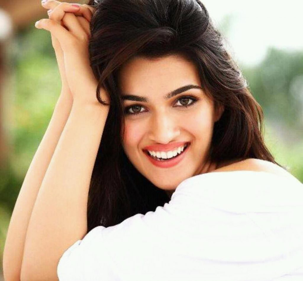 Kriti Sanon | 6 Bollywood Actresses That Are More Beautiful Than Any Hollywood Star | Zestradar