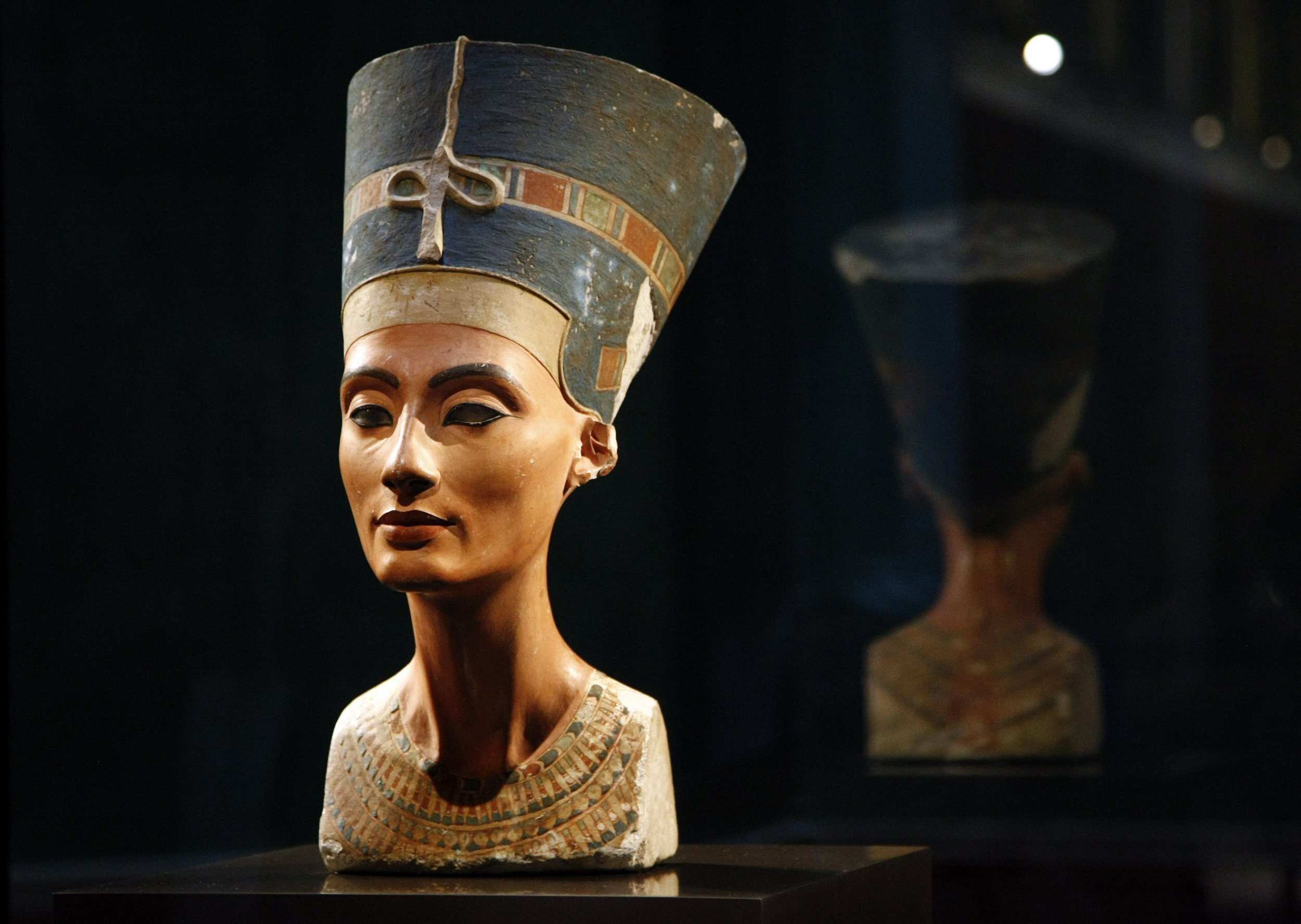 Museums Are Displaying Stolen Treasures | Zestradar