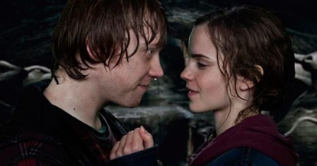 Harry Potter and The Deathly Hallows Part 2 | The Most Awkward Kissing Scenes | Zestradar