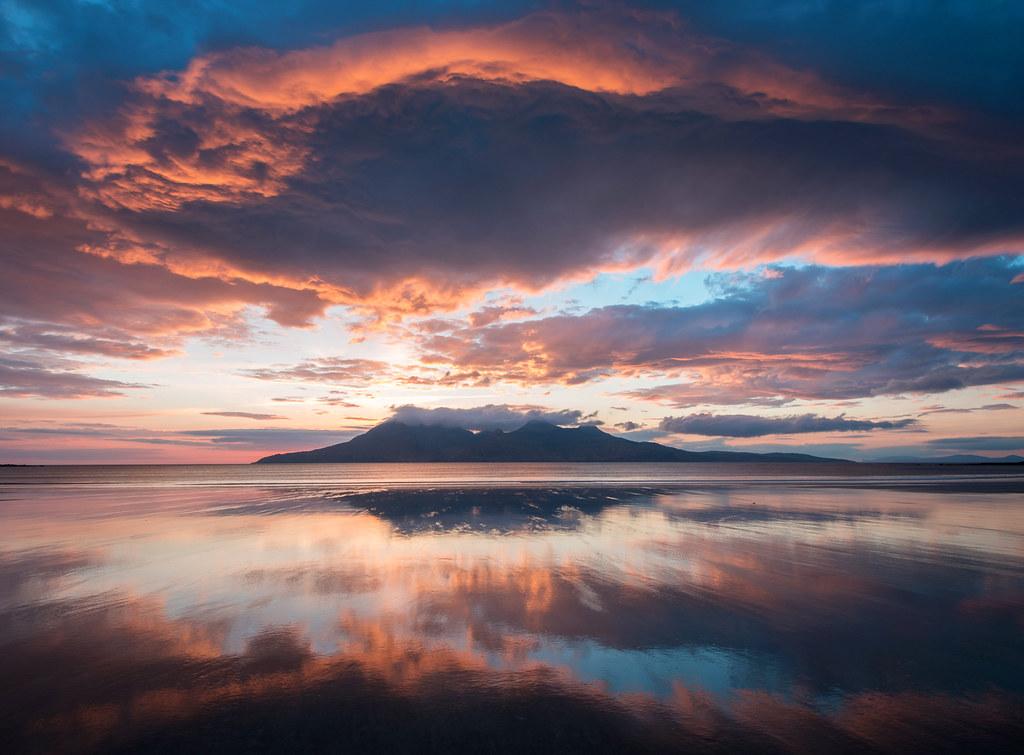 Isle of Eigg (Scotland) | 10 of the World's Best Sunset Spots | Zestradar