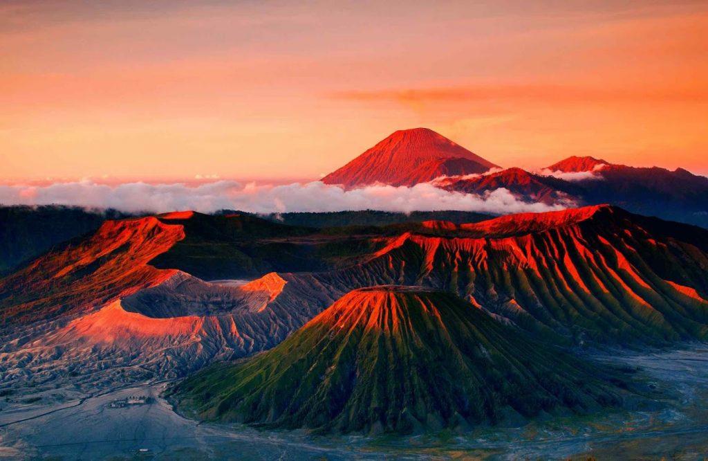 Mount Bromo (Indonesia) | 10 of the World's Best Sunset Spots | Zestradar