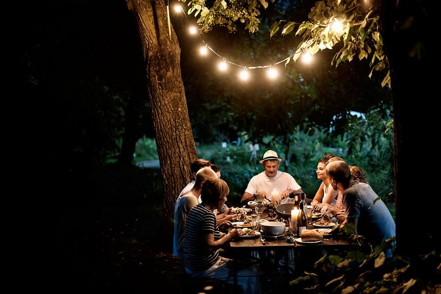 Гости и друзья | 8 принципов хюгге, которые делают скандинавов самыми счастливыми в мире | Zestradar