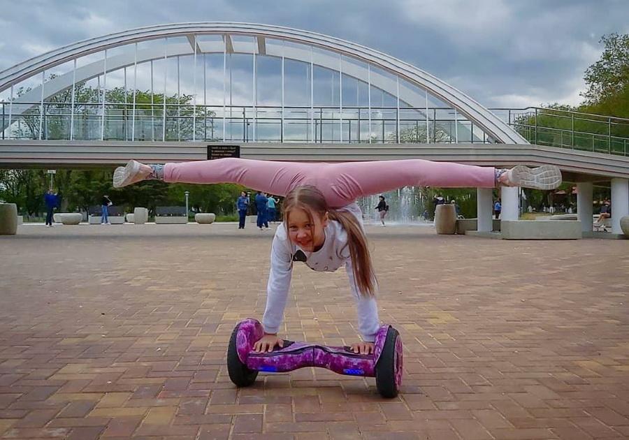 #7 | Варвара Гордеева – самый гибкий ребенок в мире | Zestradar
