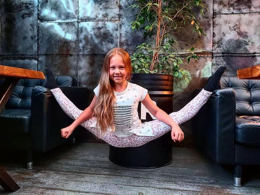 #8 | Варвара Гордеева – самый гибкий ребенок в мире | Zestradar