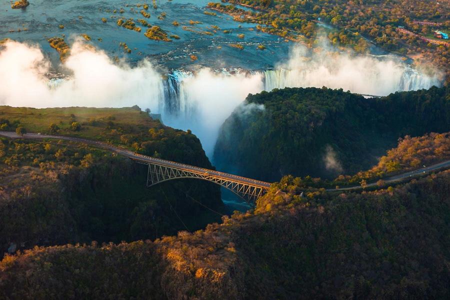 Водопад Виктория | Самые удивительные водопады планеты | Zestradar