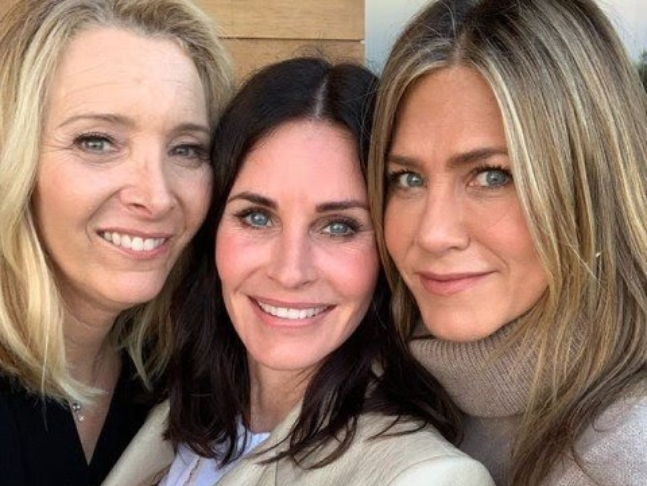 8. Jennifer Snubbed Her Male Co-Stars   8 Secrets About FRIENDS You Had No Idea About   Brain Berries