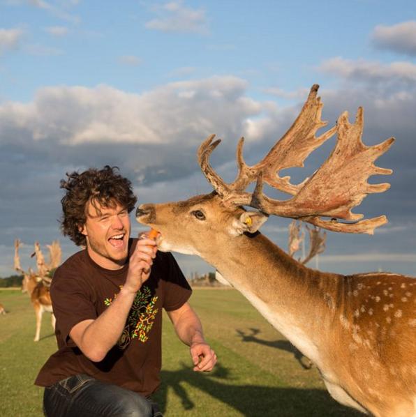 #6 | Аллан Диксон и его невероятные селфи с дикими животными | Zestradar