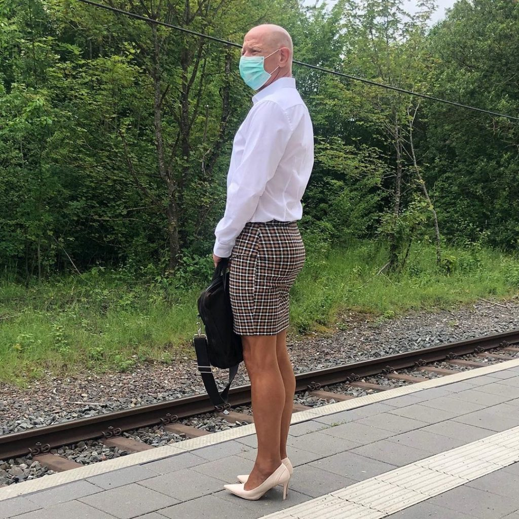 #7 | 61-Year-Old Man Wears Skirts and High Heels To Work and Looks Fantastic! | Zestradar