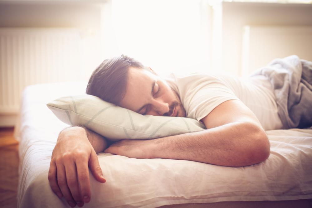 Пробуждение между 03. И 05.00 | Почему вы просыпаетесь среди ночи: 5 странных причин | Zestradar