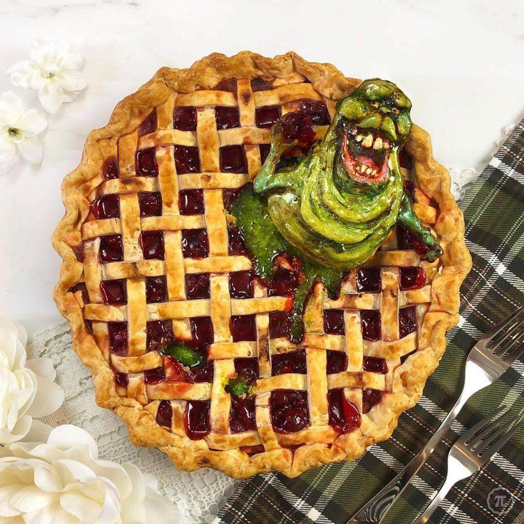 | Spookiest Halloween Pies That Will Keep You Awake At Night | Brain Berries