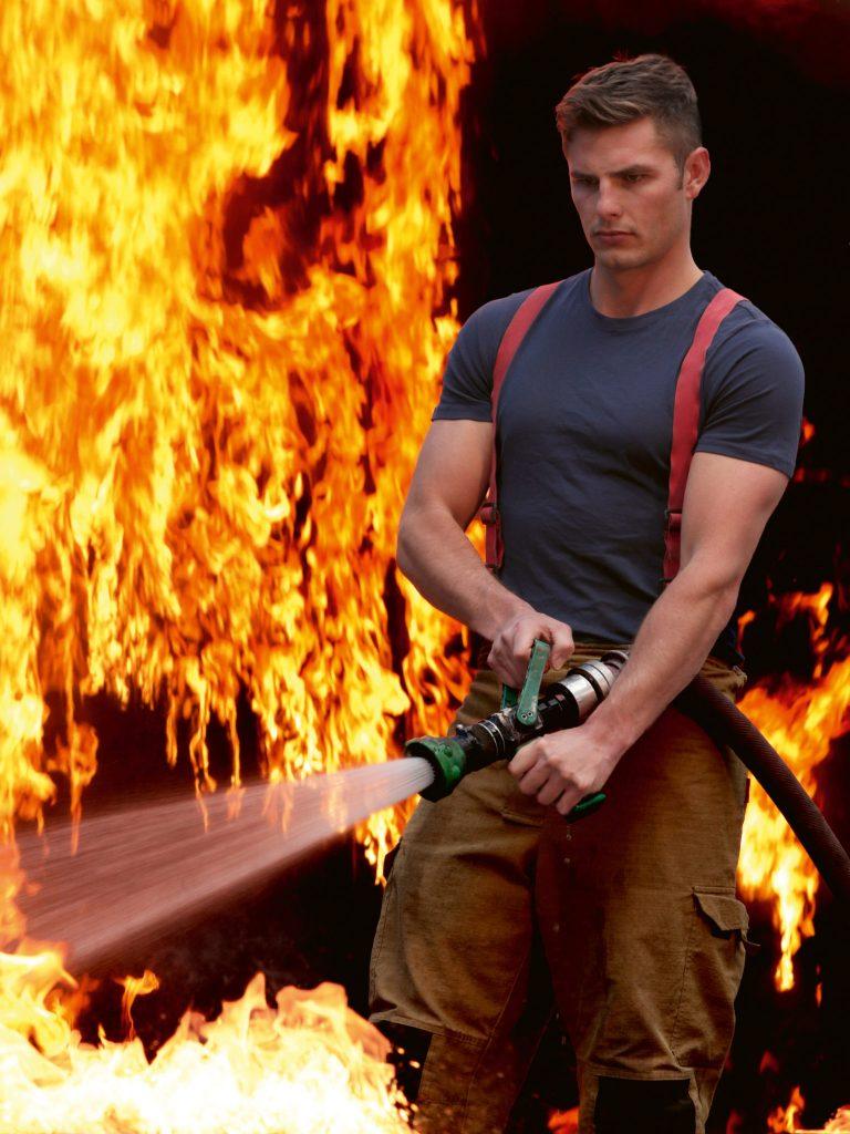 #16 | Календарь австралийских пожарных: то,  что нужно в 2020 | Zestradar