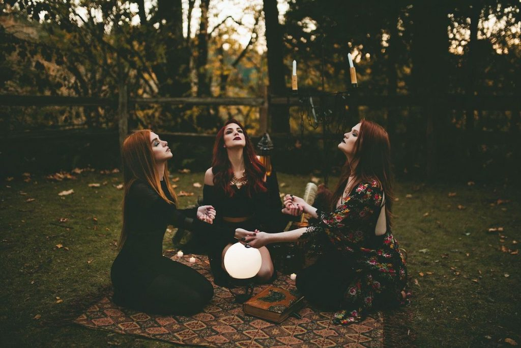 You love magic | 8 Probable Reasons Why You Might End Up Watching The Witches Remake | Zestradar