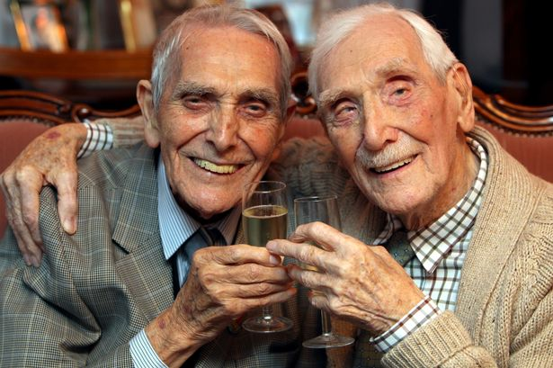 6 Oldest Recorded Twins in the World #5   Brain Berries