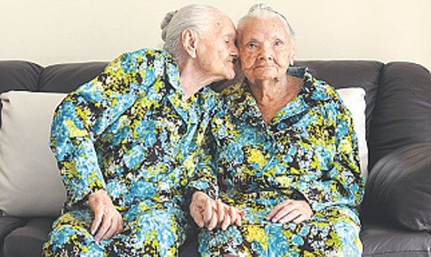 6 Oldest Recorded Twins in the World #6   Brain Berries