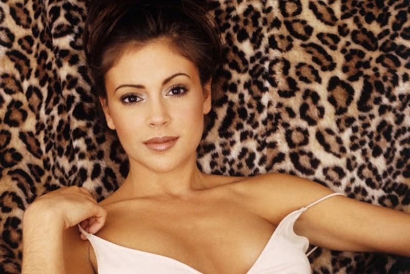 Алисса Милано | 8 самых сексуальных актрис 90-х, по которым все сходили с ума | Zestradar